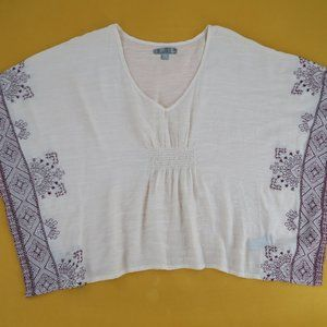 Forever 21 embroidered bohemian batwing tunic top